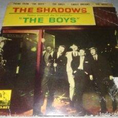 Discos de vinilo: THE SHADOWS-TEMA MUSICAL DE LA PELICULA THE BOYS-ORIGINAL ESPAÑOL 1962. Lote 270374373