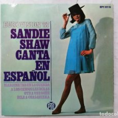 Discos de vinilo: DISCO SINGLE, SANDIE SHAW, CANTA EN ESPAÑOL, MARIONETAS EN LA CUERDA, 1967, HISPAVOX. Lote 270524458