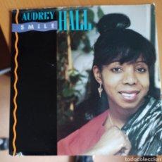 Discos de vinilo: AUDREY HALL - SMILE / SMILE (CLUB MIX) (GERMAIN RECORDS, UK, 1986). Lote 270595093