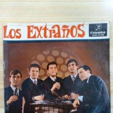 Disques de vinyle: RARO Y DIFICIL EP PROMOCIONAL LOS EXTRAÑOS 1965. Lote 270677648