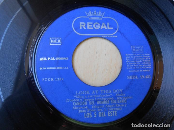 Discos de vinilo: 5 DEL ESTE, LOS, EP, NOCHE DE VERANO + 3, AÑO 1965 - Foto 4 - 270883078