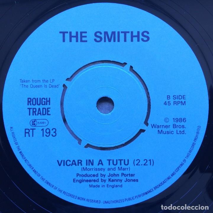 Discos de vinilo: Smiths – Panic / Vicar In A Tutu UK 1986 - Foto 4 - 222832798
