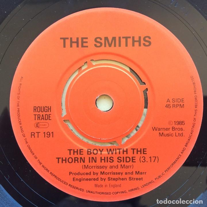 Discos de vinilo: The Smiths – The Boy With The Thorn In His Side / Asleep UK 1985 - Foto 3 - 222834248