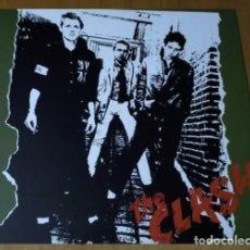 Discos de vinilo: X7 - THE CLASH. THE CLASH. LP VINILO. NUEVO.. Lote 271393268