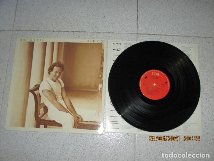JULIO IGLESIAS - NON-STOP - SPAIN - CBS - REF CBS 460990 1 - INC ENCARTE - IBL - (Música - Discos - LP Vinilo - Solistas Españoles de los 70 a la actualidad)