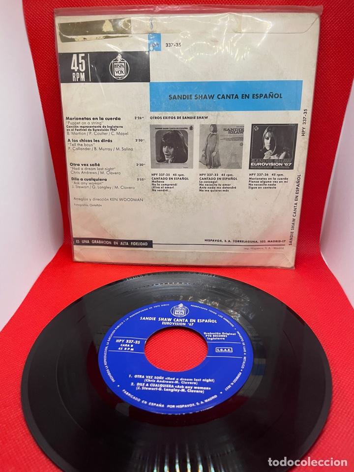 Discos de vinilo: REINO UNIDO 1967. Marionetas en la cuerda (Puppet on a string) - Sandie Shaw (versión en español) - Foto 2 - 271443778