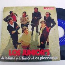 Discos de vinilo: LOS JUNIORS-SINGLE A LA LIMA Y AL LIMON. Lote 271574163