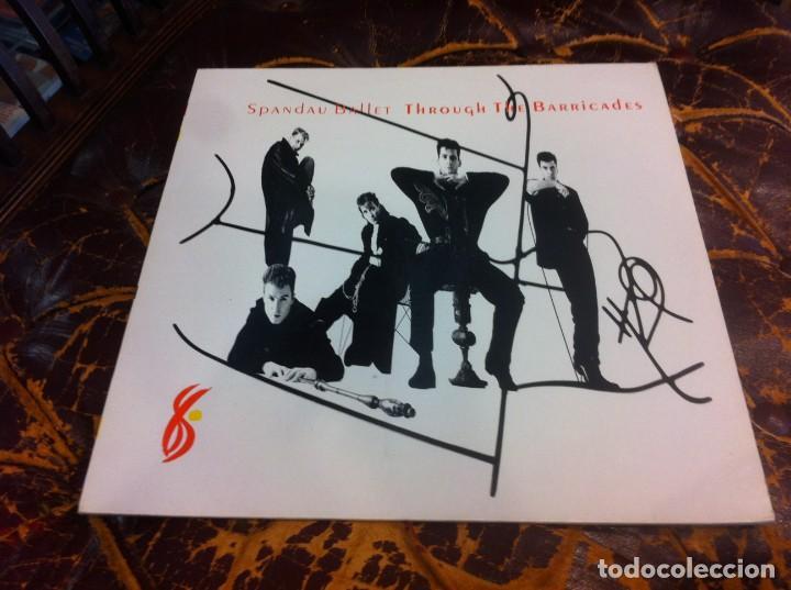 SPANDAU BALLET. THROUGH THE BARRICADES. LP. 1986 (Música - Discos - LP Vinilo - Otros estilos)