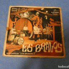 Discos de vinilo: SINGLE LOS BRAVOS BRING A LITTLE LOVING PORTADA SOBADA DISCO CORRECTO. Lote 271696908