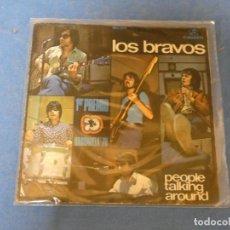 Discos de vinilo: 7 PULGADAS SINGLE LOS BRAVOS PEOPLE TALKIG ARROUND 1970 VINILO DECENTE LEVES SEÑALES USO. Lote 271821398