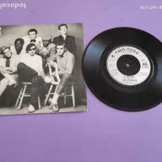 Discos de vinilo: GENIAL SG. SPECIALS, DO NOTHING/MAGGIE´S FARM ( BOB DYLAN ). 2 TONE CHS TT16. UK. MADNESS SELECTERS. Lote 272074963