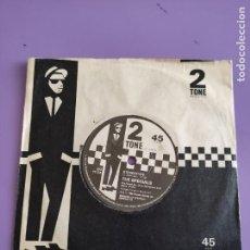 Discos de vinilo: SINGLE . THE SPECIALS. STEREOTYPE/INTERNACIONAL JET SET. UK. 1980 - SELLO 2 TONE RECORDS CHS TT 13B.. Lote 272075618