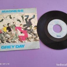 Discos de vinilo: GENIAL SINGLE SKA. MADNESS - GREY DAY / MEMORIES. BUY112STIFF. STIFF RECORDS AÑO 1981 UK.. Lote 272082128