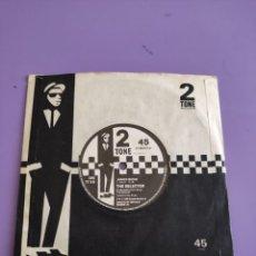 Discos de vinilo: GENIAL SINGLE SKA. THE SELECTER. THREE MINUTE HERO/JAMES BOND. CHS TT 8B- TWO-TONE, UK AÑO 1980. Lote 272085248
