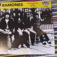 Discos de vinilo: RAMONES–CARBONA NOT GLUE B/W I CAN'T BE. SINGLE VINILO COLOR AMARILLO. NUEVO. Lote 274549668