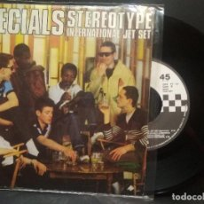 Discos de vinilo: SPECIALS STEREOTYPE SINGLE SPAIN 1980 PDELUXE. Lote 274827863