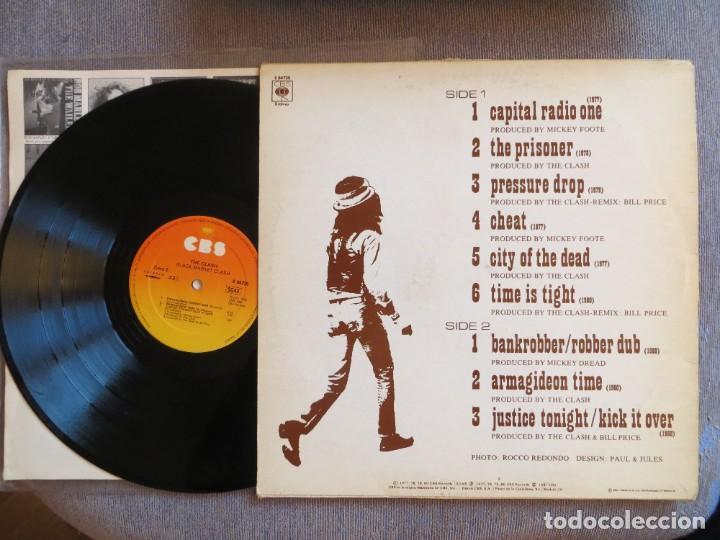 Discos de vinilo: THE CLASH: BLACK MARKET CLASH (SPANISH L.P.) 1981 CBS- MUY RARO !!!! - Foto 2 - 275155683