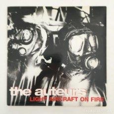 Discos de vinilo: THE AUTEURS – LIGHT AIRCRAFT ON FIRE, UK 1996 HUT RECORDINGS. Lote 275170603