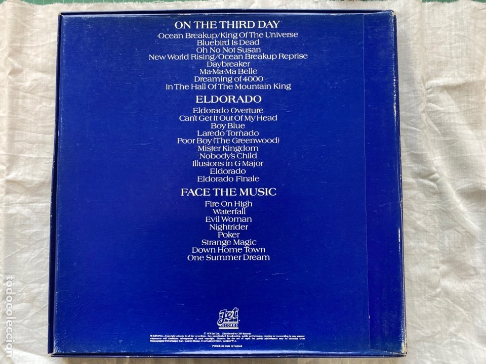 Discos de vinilo: Electric Light Orchestra - Three Light Years (3xLP + Box, Comp) (1978/UK) - Foto 2 - 275303578