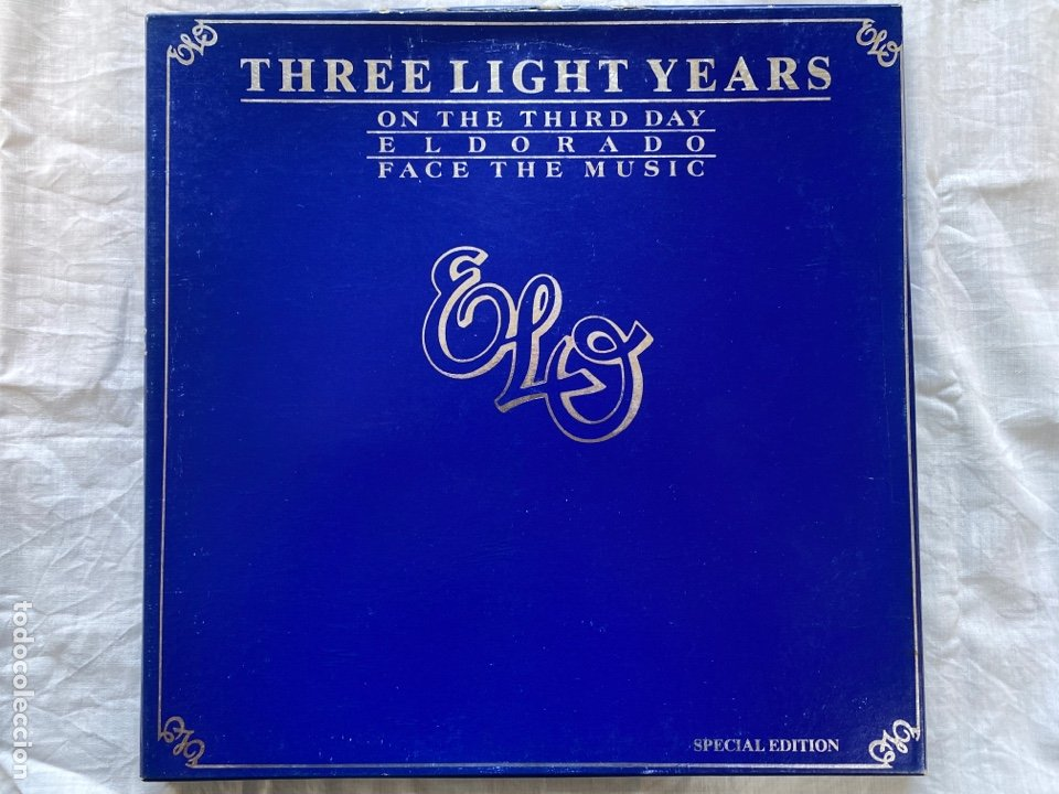 ELECTRIC LIGHT ORCHESTRA - THREE LIGHT YEARS (3XLP + BOX, COMP) (1978/UK) (Música - Discos - LP Vinilo - Pop - Rock - Internacional de los 70)