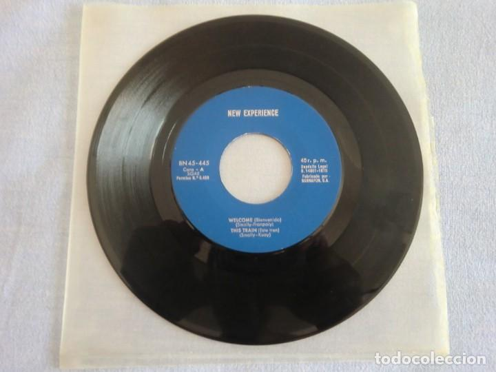EP NEW EXPERIENCE: WELCOME / THIS TRAIN / MAKE ME / TO ME (1975) SIN PORTADA. MUY BUEN ESTADO (Música - Discos de Vinilo - EPs - Grupos Españoles de los 70 y 80)