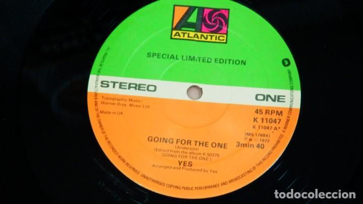 Discos de vinilo: YES * Going For The One / Awaken * MAXI Vinilo * 1977 UK * SPECIAL LIMITED EDITION - Foto 3 - 276074938