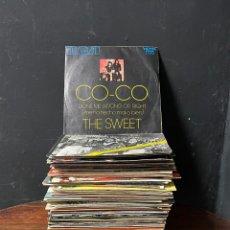 Disques de vinyle: LOTE DE 73 SINGLES VARIADOS DIFERENTES ESTILLOS Y ÉPOCAS SIN CLASIFICAR. Lote 276239253