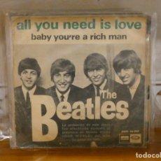 Dischi in vinile: DISCO 7 PULGADAS SINGLE THE BEATLES ALL YOU NEED IS LOVE DISCO SOBADILLO C/PORTADA BASTANTE ROIDA. Lote 276425058