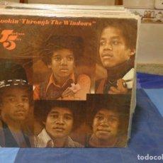 Disques de vinyle: LP JACKSON FIVE LOOKING THROUGH THE WINDOWS USA 72 BASTANTE USO AUNQUE TODO LEVE MICHAEL JACKSON. Lote 276602643