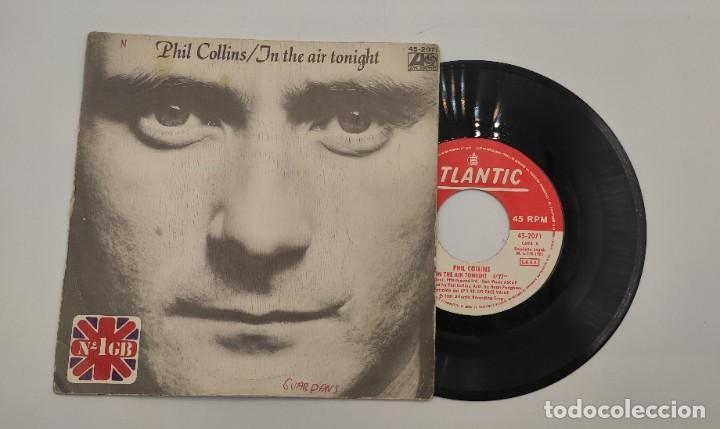 """VINILO DE 7 PULGADAS DE PHIL COLLINS QUE CONTIENE """"IN THE AIR TONIGHT"""" Y """"THE ROOF IS LEAKING"""". (Música - Discos de Vinilo - EPs - Pop - Rock - New Wave Internacional de los 80)"""