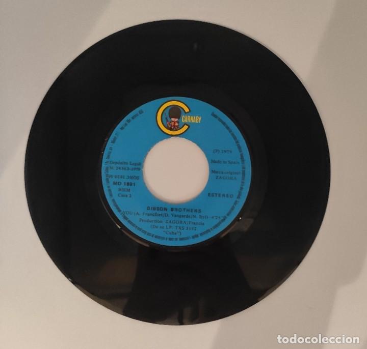 """Discos de vinilo: Vinilo de 7 pulgadas de Gibson Brothers que contiene """"que sera mi vida"""" y """"you""""Discográfica: Carnaby - Foto 3 - 276683558"""