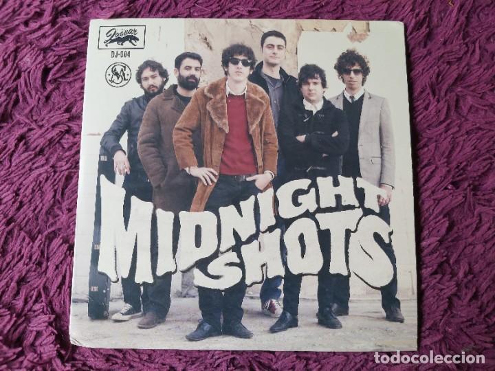 """MIDNIGHT SHOTS – HERE COME THE BOMBS!, VINYL 7"""" EP 2012 SPAIN DJ-004 (Música - Discos de Vinilo - EPs - Grupos Españoles de los 90 a la actualidad)"""
