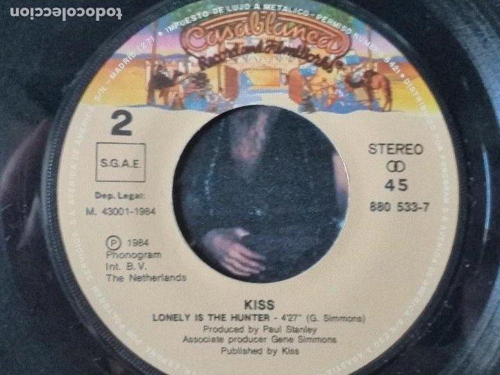 Discos de vinilo: Kiss – While The City Sleeps = Mientras La Ciudad Duerme 1984 - Foto 6 - 276956138