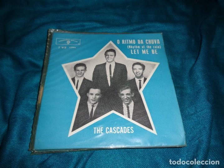THE CASCADES. O RITMO DA CHUVA / LET ME BE. WARNER BROS, EDC. BRASIL 1962. (#) (Música - Discos - Singles Vinilo - Grupos y Solistas de latinoamérica)