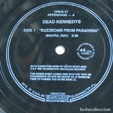 """Discos de vinilo: DEAD KENNEDYS - GIVE ME CONVENIENCE OR GIVE ME DEATH (LP, COMP + FLEXI, 7""""). Lote 277041373"""