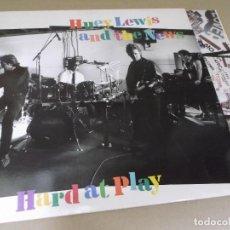 Discos de vinilo: HUEY LEWIS AND THE NEWS (LP) HARD AT PLAY AÑO – 1991 – ENCARTE CON LETRAS. Lote 277080553