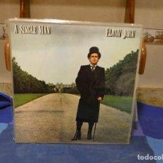 Discos de vinilo: LP ESPAÑOL GATEFOLD ELTON JOHN A SINGLE MAN ESTADO ESCANDALOSO 41. Lote 277114363