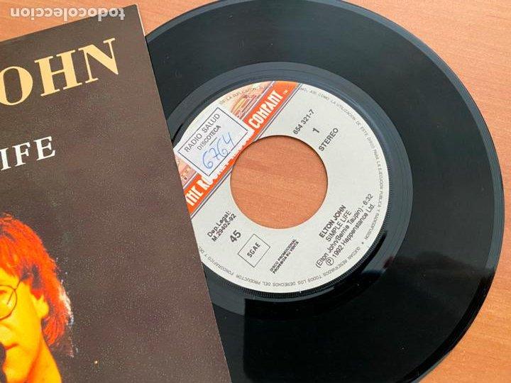Discos de vinilo: ELTON JOHN (SIMPLE LIFE) SINGLE 1992 ESPAÑA PROMO (EPI24) - Foto 2 - 277187848