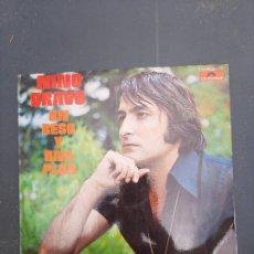 Discos de vinilo: DISCO UN BESO Y UNA FLOR DE NINO BRAVO. Lote 277277978