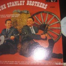 Discos de vinilo: THE STANLEY BROTHERS AND THE CLINCK MOUNTAIN BOYS (1975 GUSTO RECORS) USA LEA DESCRIPCION. Lote 277649778