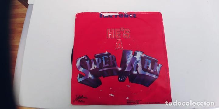 Discos de vinilo: THE FORCE-SINGLE HES A SUPER MAN - Foto 2 - 277704238