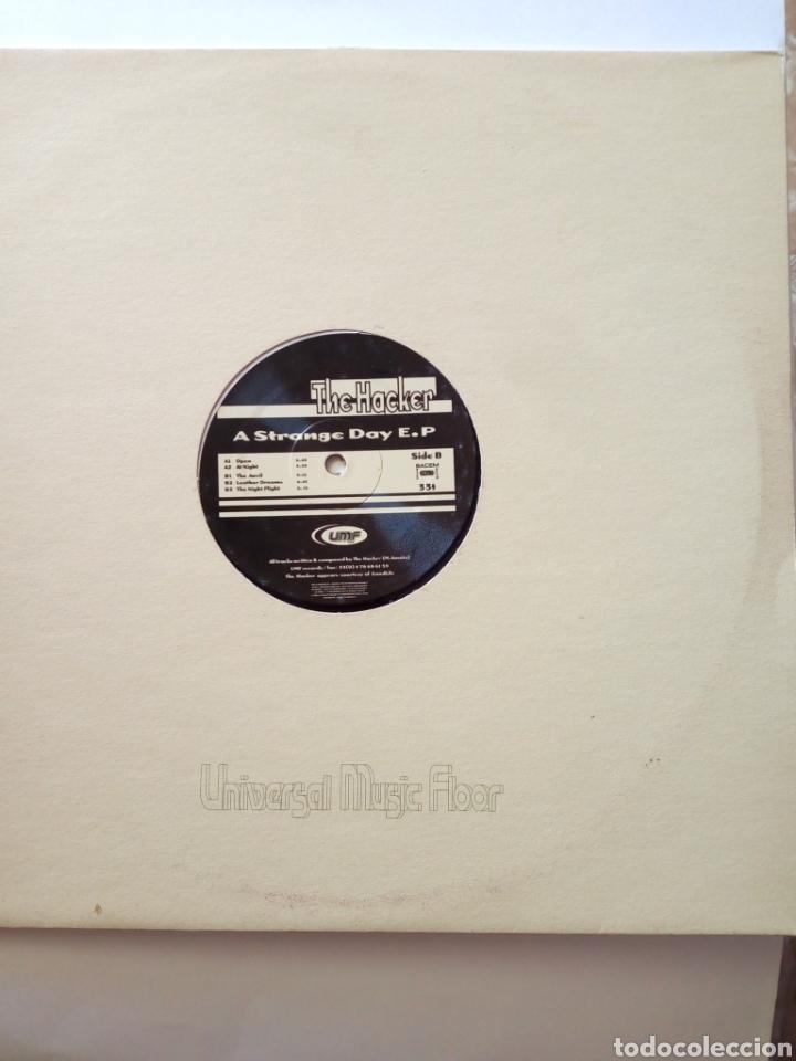 THE HACKER - A STRANGE DAY E.P (Música - Discos de Vinilo - EPs - Electrónica, Avantgarde y Experimental)