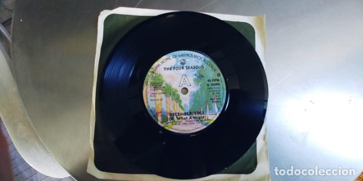 Discos de vinilo: THE FOUR SEASONS-SINGLE DECEMBER 1963-UK-SIN FUNDA - Foto 2 - 277707738