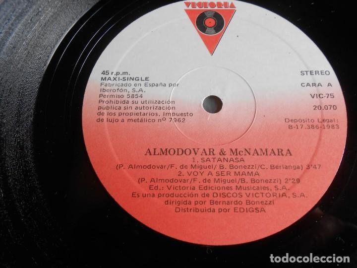 Discos de vinilo: ALMODOVAR & McNAMARA - SATANASA -, MAXI-SINGLE, SATANASA + 2, AÑO 1983 - Foto 3 - 278277683