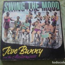 Discos de vinilo: JIVE BUNNY AND THE MASTERMIXERS SWING THE MOOD. Lote 278344588