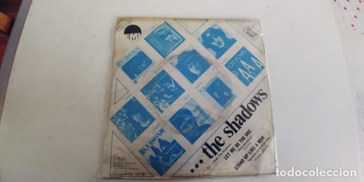 Discos de vinilo: THE SHADOWS-SINGLE LET ME BE THE ONE-EUROVISION 75 - Foto 2 - 278693458
