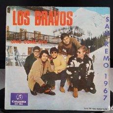 Discos de vinilo: *LOS BRAVOS - UNO COME NOI / DON'T MI LEFT OUT IN THE COLD - SG AÑO 1966 - LEER DESCRIPCIÓN. Lote 279587108