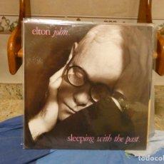 Discos de vinilo: LP ELTON JOHN SLEEPING WITH THE PAST BUEN ESTADO GENERAL. Lote 283883428