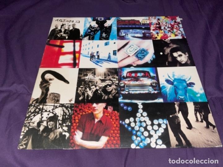 Discos de vinilo: LP U2 ATCHUNG BABY CORRECTO CIERTO USO ENCARTE, TIO DESNUDO EN TAPA - Foto 2 - 284493373