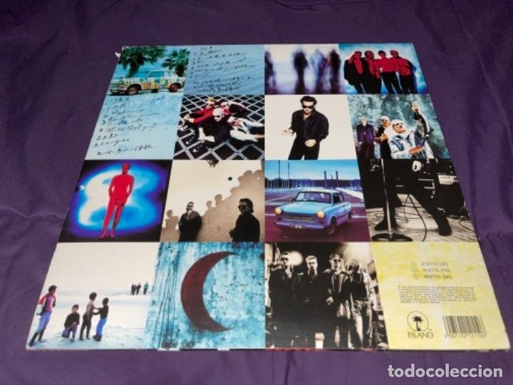 Discos de vinilo: LP U2 ATCHUNG BABY CORRECTO CIERTO USO ENCARTE, TIO DESNUDO EN TAPA - Foto 3 - 284493373